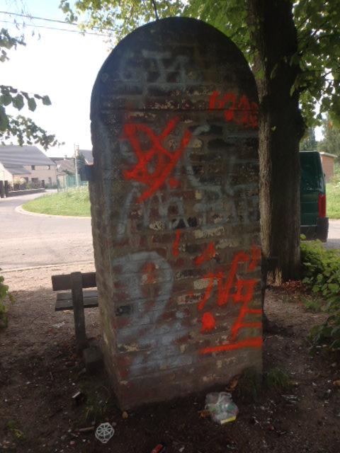 Graffitis sur chapelle