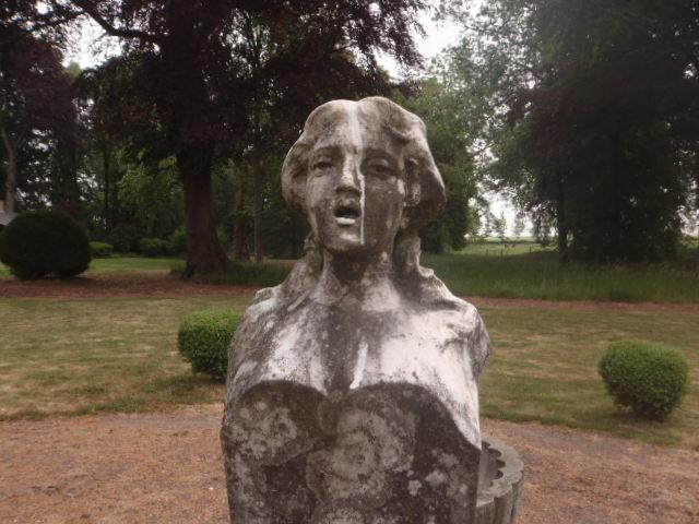 Statue avant décapage